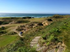 Hole no. 9 at Pacific Dunes.